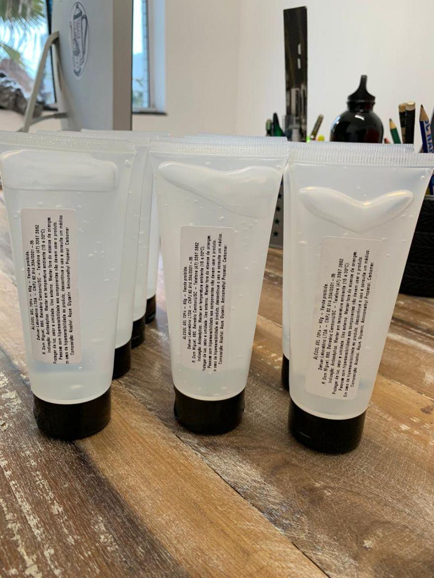 DaHuer Laboratório inicia doação de álcool gel para combate a COVID-19