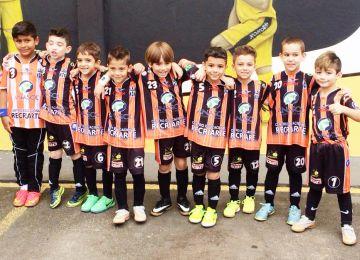 Equipe de futsal Sub-07 vence mais duas partidas