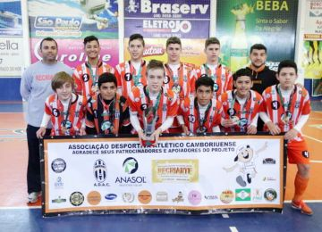 Futsal juvenil camboriuense é tricampeão no Jesc