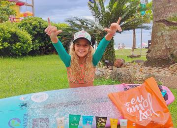 """""""Nasci sereia"""", conheça a pequena grande surfista Valentina Zanoni!"""
