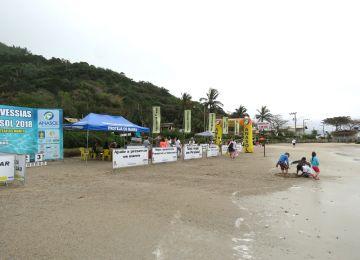 Ondas de um 1.5m, surfistas e Anasol marcam 5º Revezamento de Natação e Corrida do Canto Grande